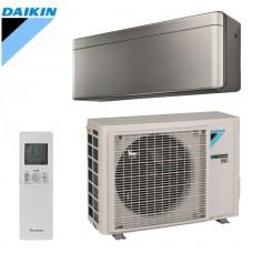 Šilumos siurblys Oras-oras DAIKIN STYLISH SPLIT INVERTER FTXA20AS+RXA20A Šildymo galia 3,5 kW, Šaldymo galia 2,6 kW Freonas R32 (Sidabrinis)